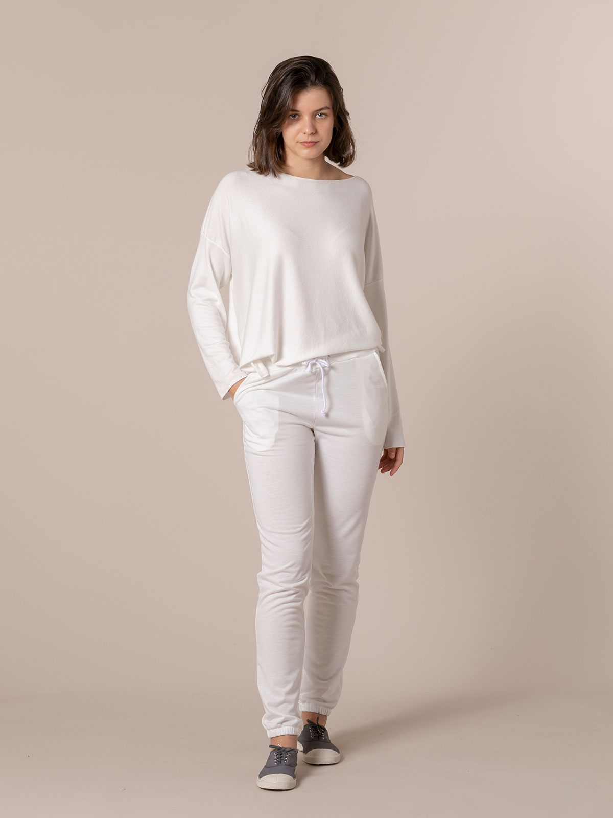 Pantalón mujer jogger detalle en bajo Blanco
