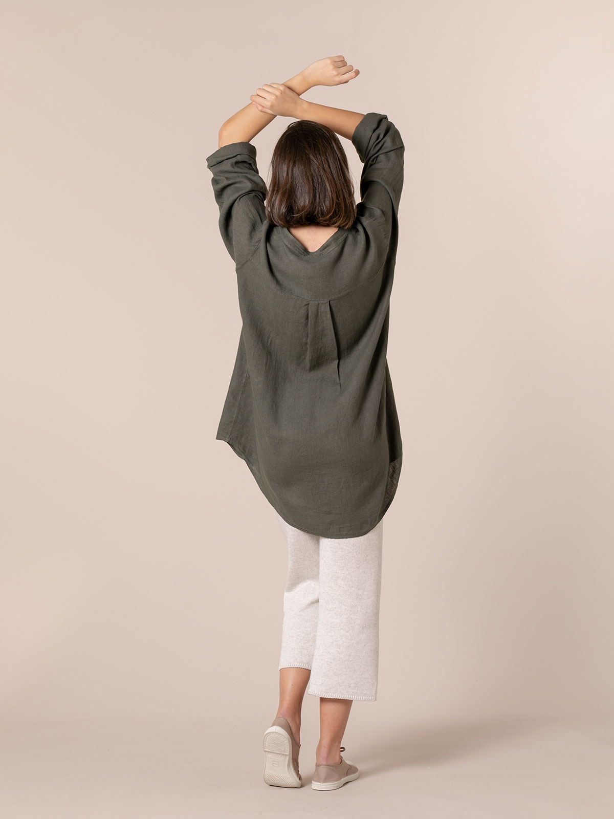 Woman Linen shirt with mandarin collar Khaki