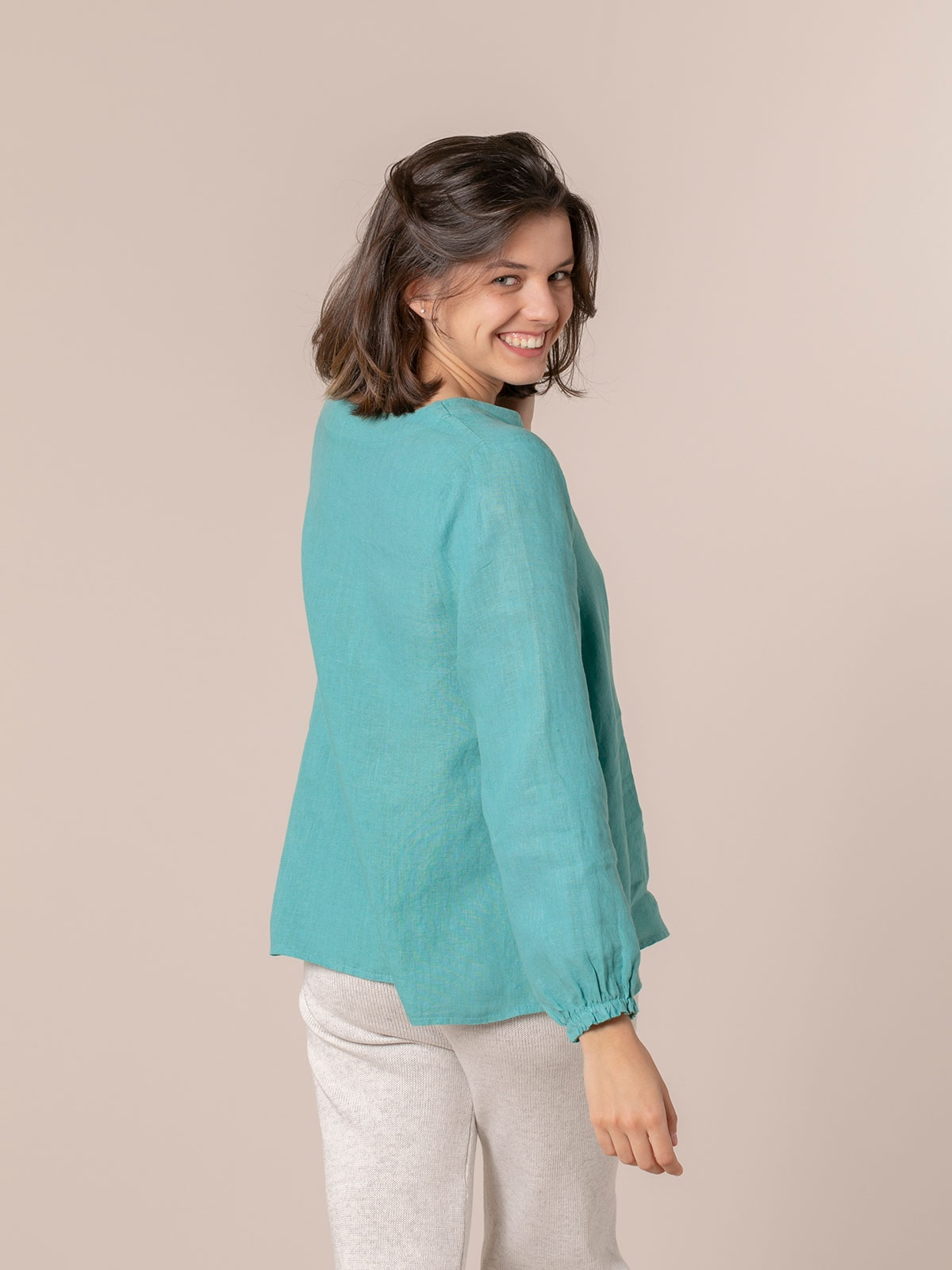 Woman Buttoned linen shirt Blue