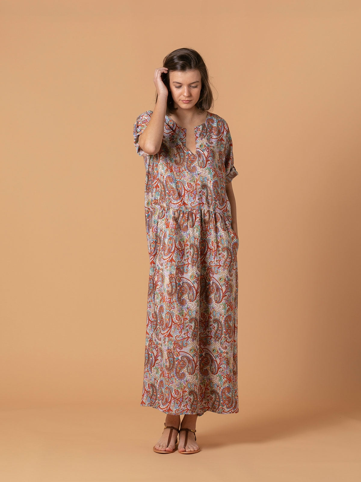 Woman Long flowing dress Multicolor