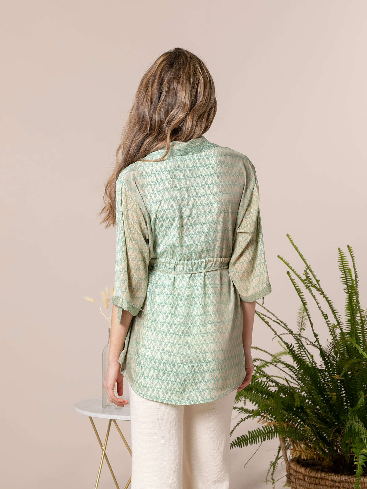 Woman Woman Flowy printed shirt with buttons Greens