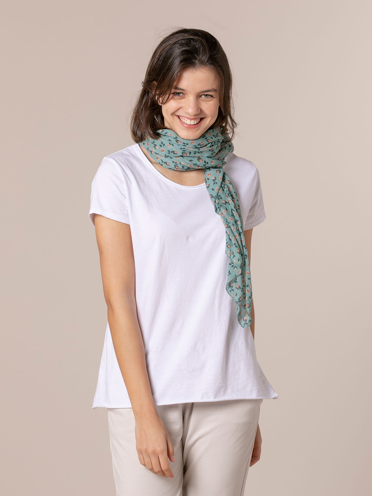 Woman flower scarf camel and Green