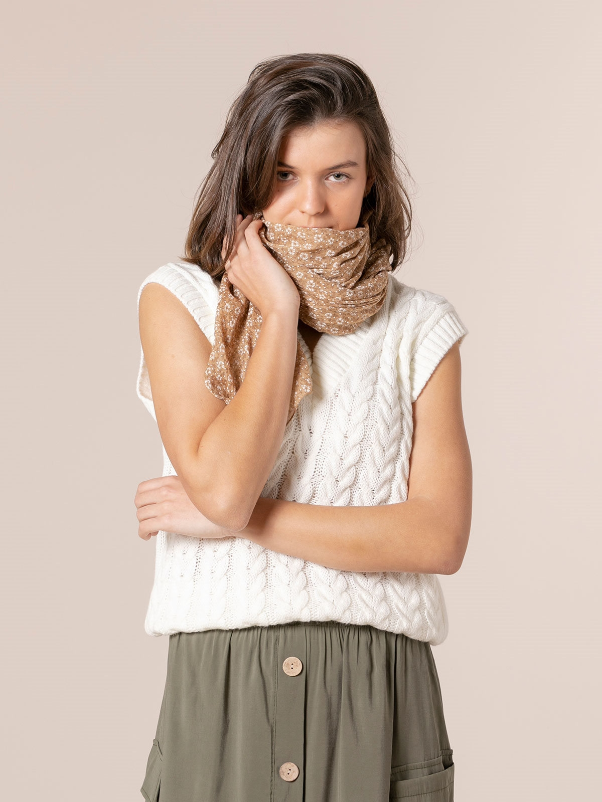 Woman Monochromatic flower cotton scarf Camel