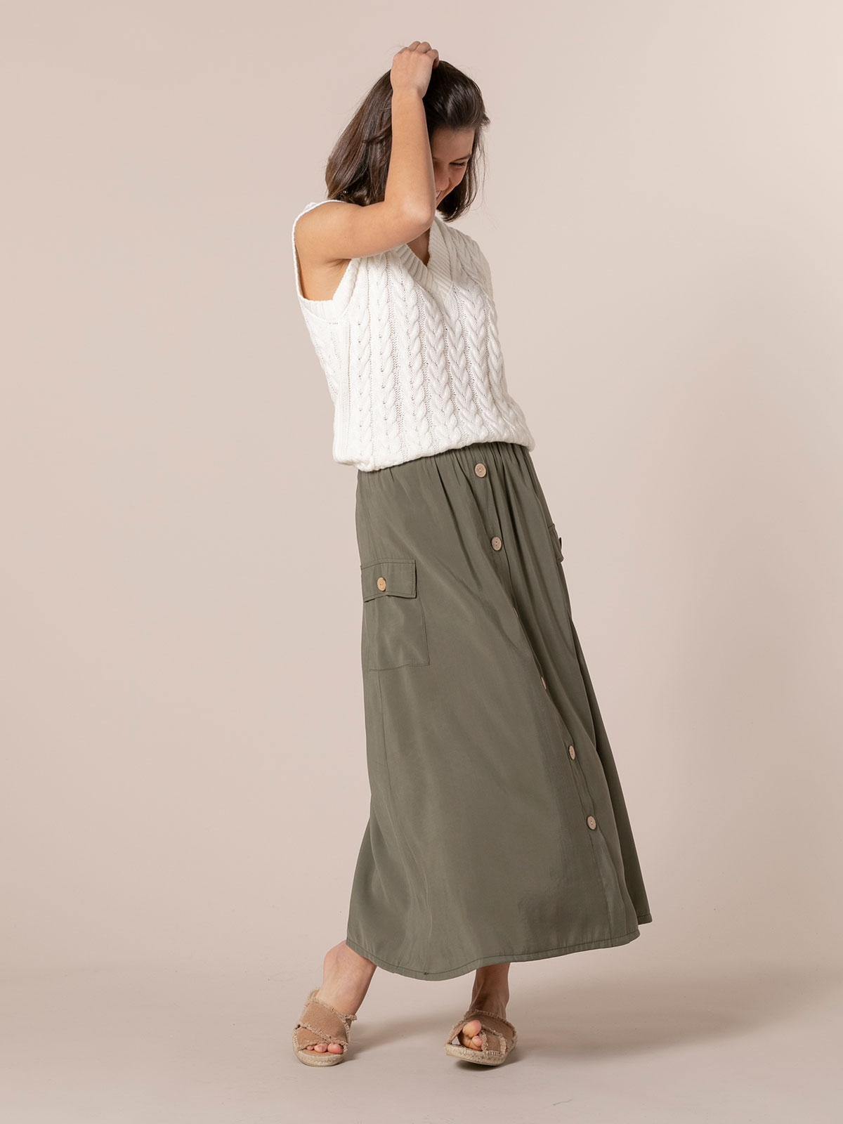 Woman Long flowing skirt with buttons Khaki