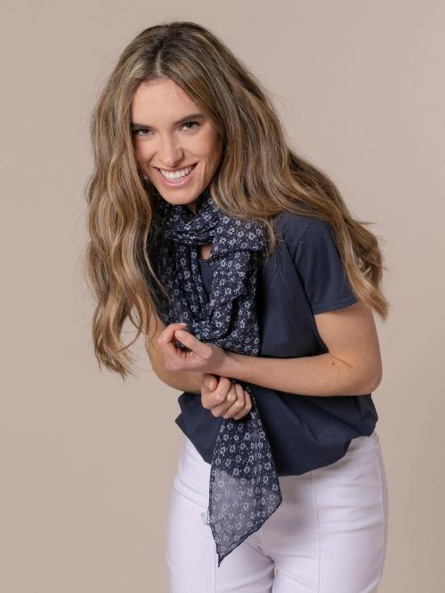 Woman Monochromatic flower cotton scarf Blue Navy