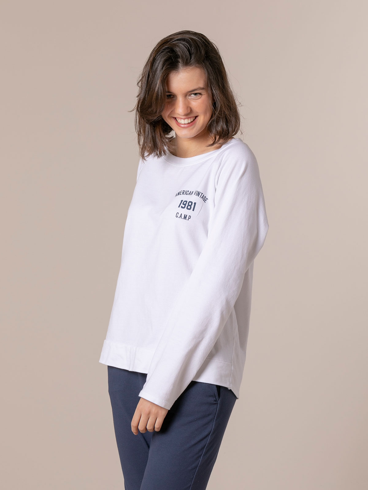 Woman 1981 vintage plain sweatshirt White