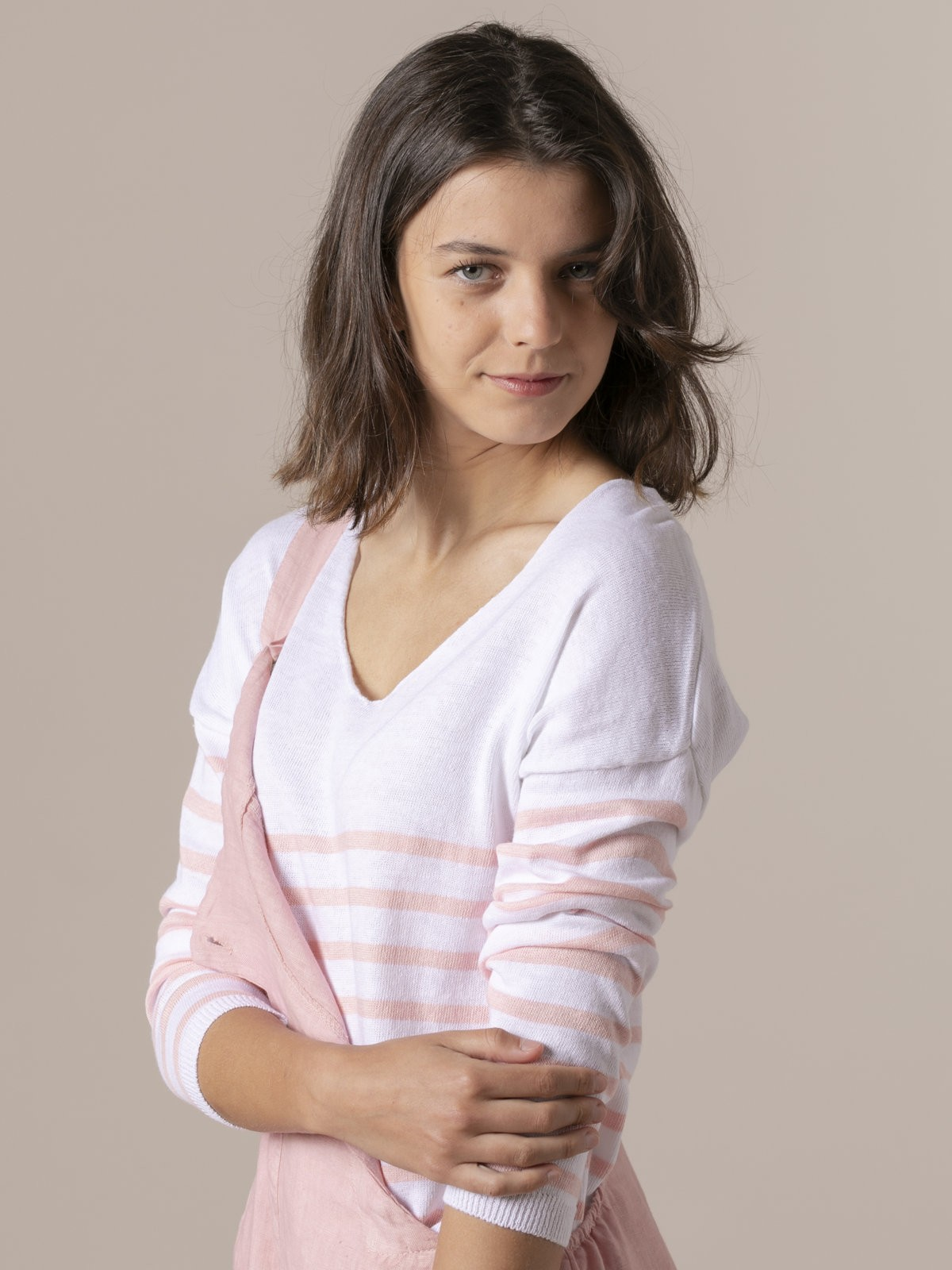 Woman LightWoman weight knit sweater with striped hem Pink