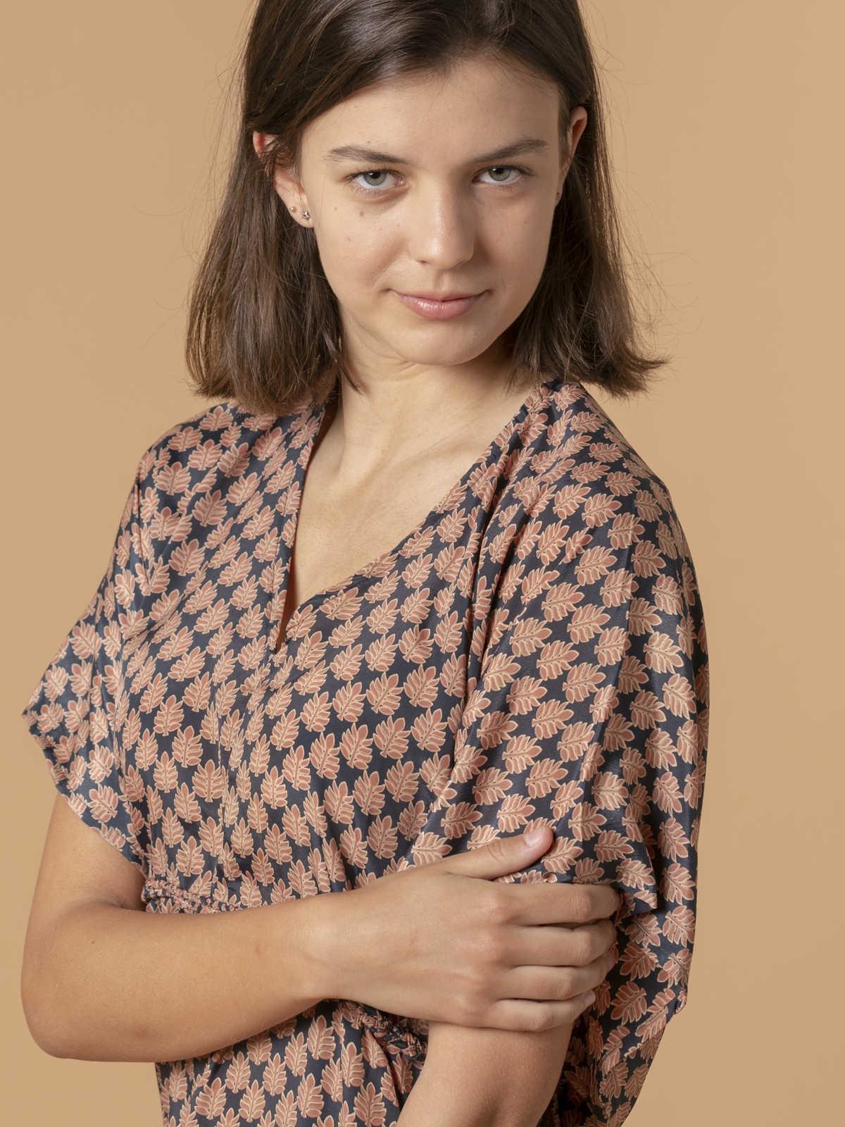 Woman Woman Flowy printed dress details Grey/Pink