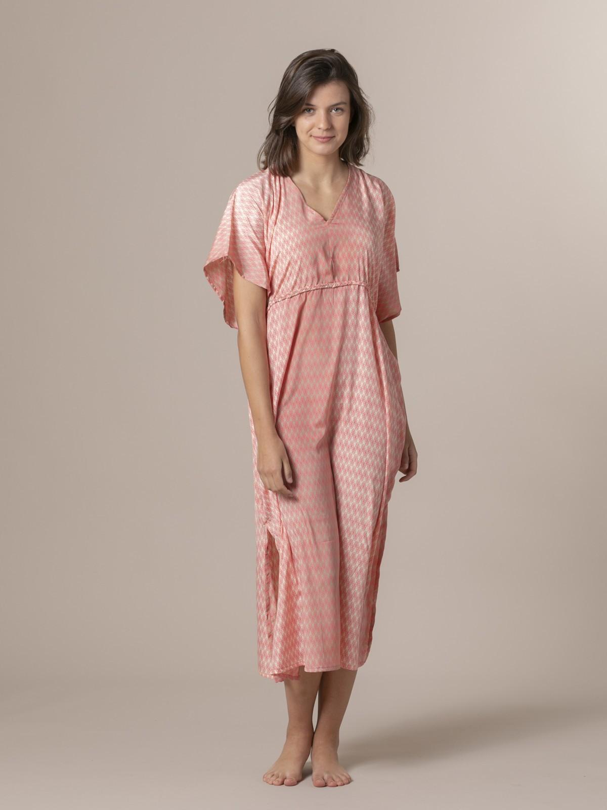 Woman Woman Flowy printed dress details Pinks