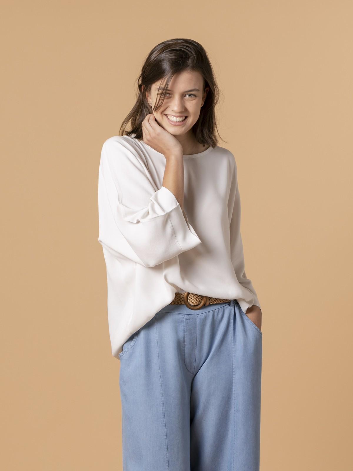Woman Woman Long sleeve oversize blouse Beige