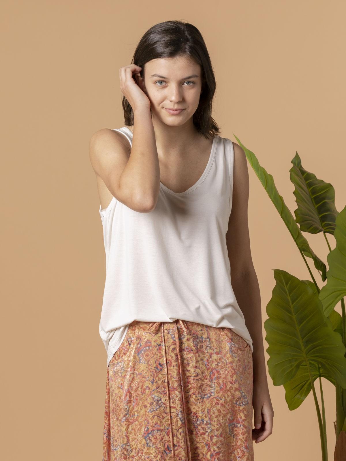 Woman Woman Wide-leg t-shirt Beige