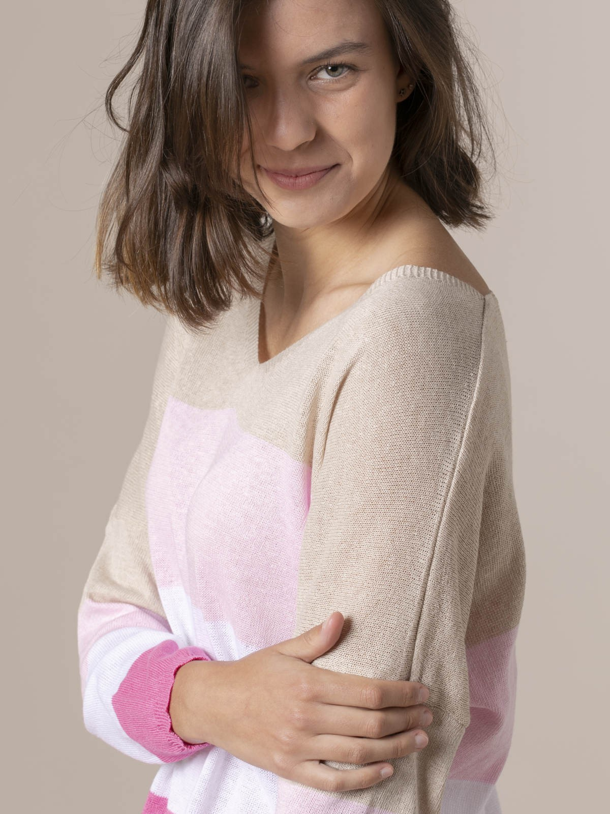 Woman Woman Striped V-neck sweater Pink