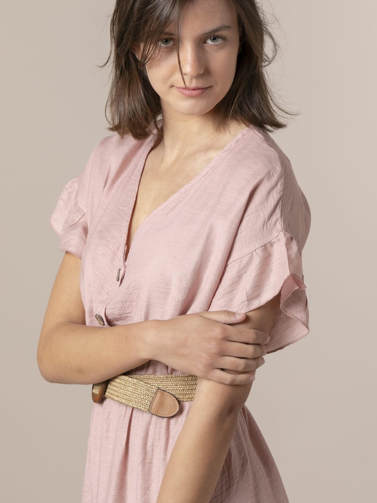 Vestido fluido cuello pico Rosa