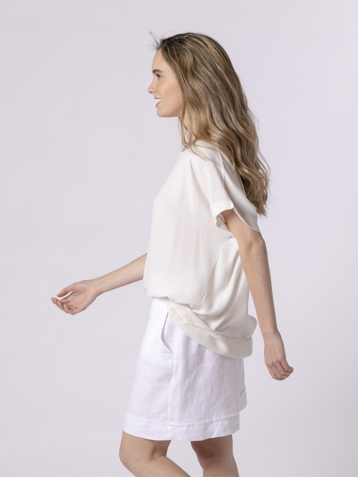Woman Woman Short sleeve blouse Beige