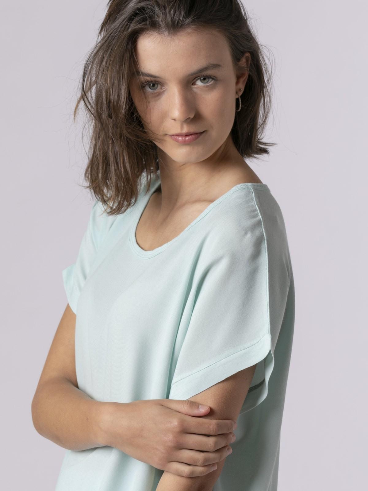 Blusa de mujer manga corta Aqua