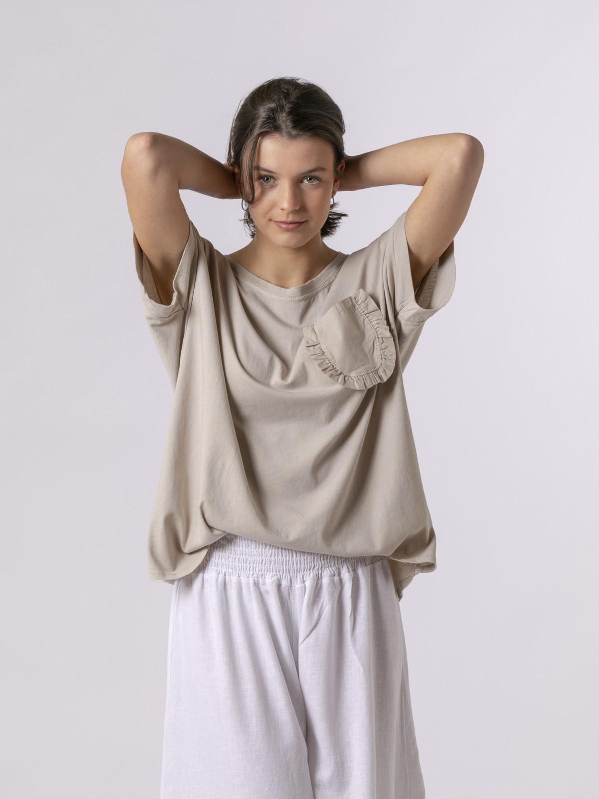 Camiseta mujer bolsillo especial Beige