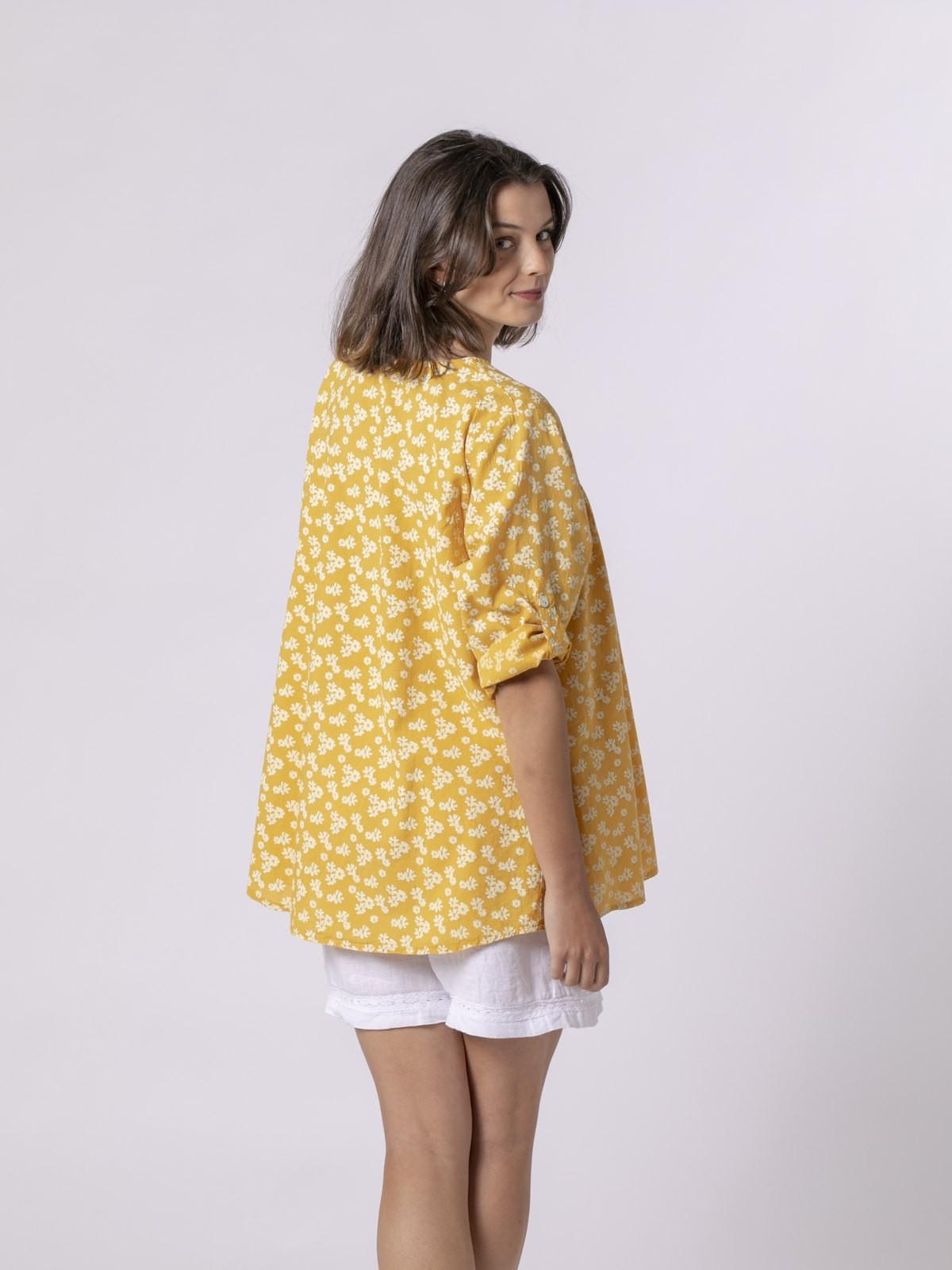 Woman Woman Printed lace blouse Amarillo