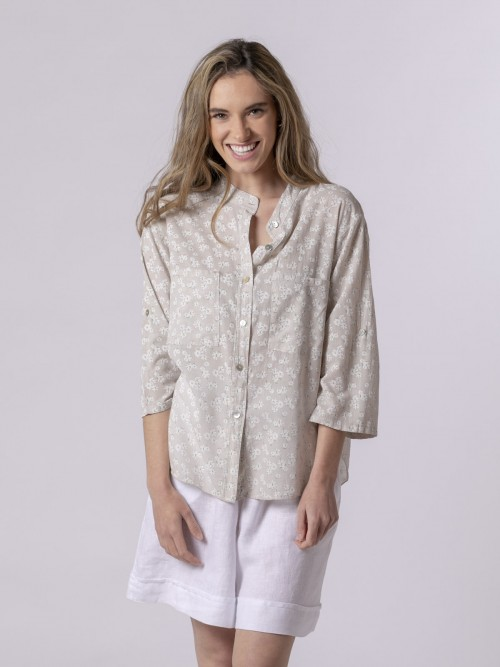Woman Woman Printed blouse with pockets Beige