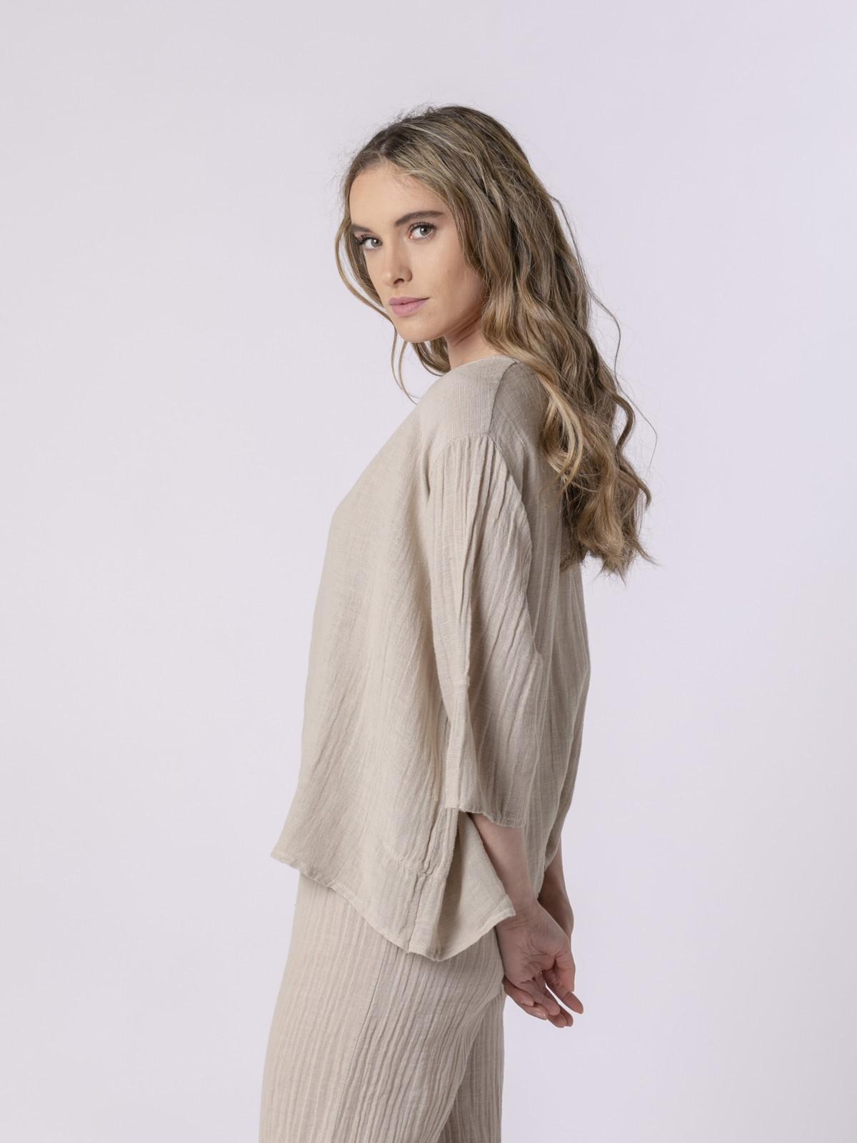 Woman Woman Round neck linen blouse Beige