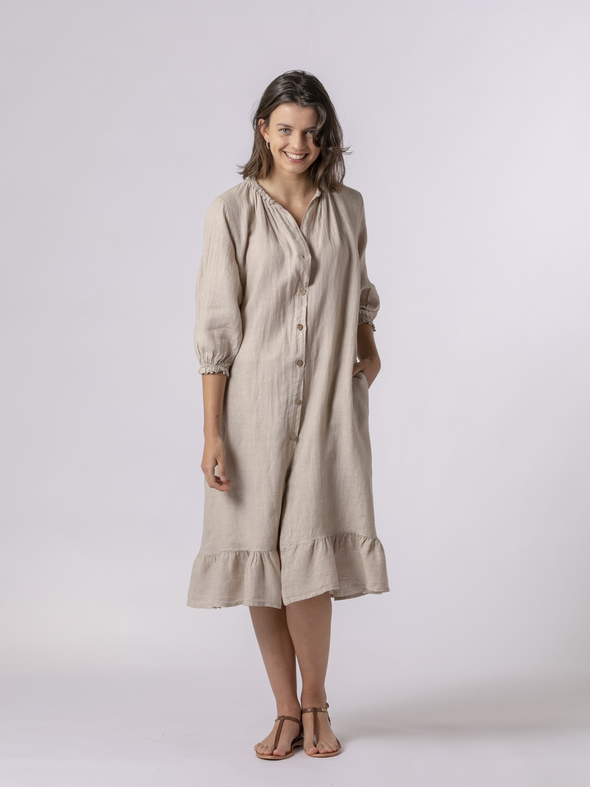 Woman Long linen dress with buttons Beige