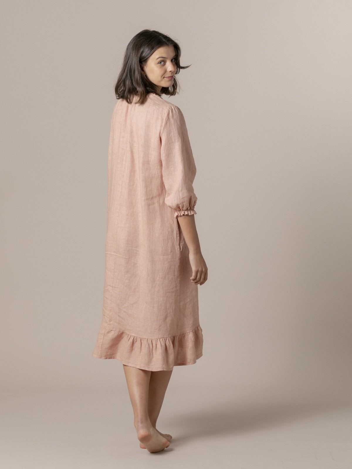 Woman Long linen dress with buttons arena
