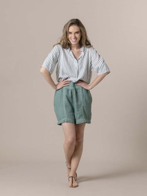 Woman Embroidered linen shorts Green