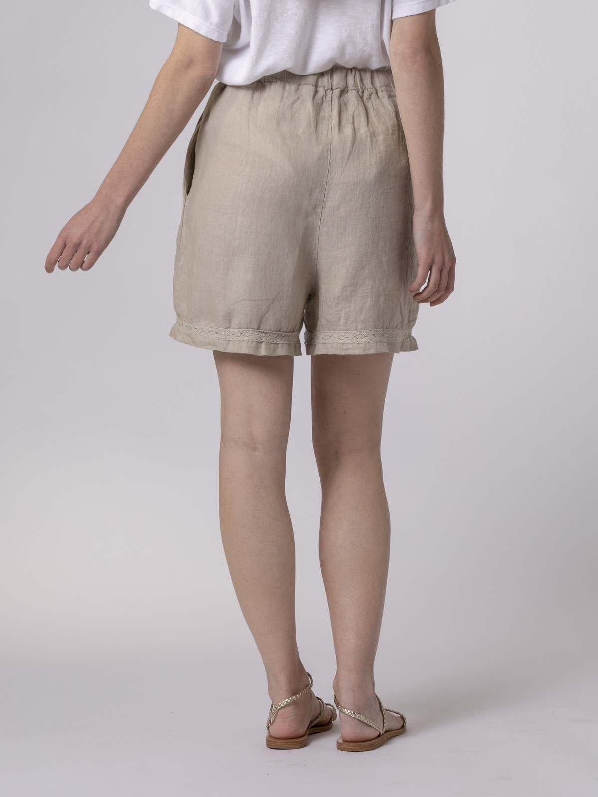 Woman Woman Embroidered linen shorts Beige