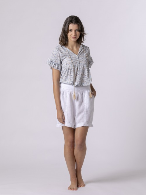 Woman Embroidered linen shorts White