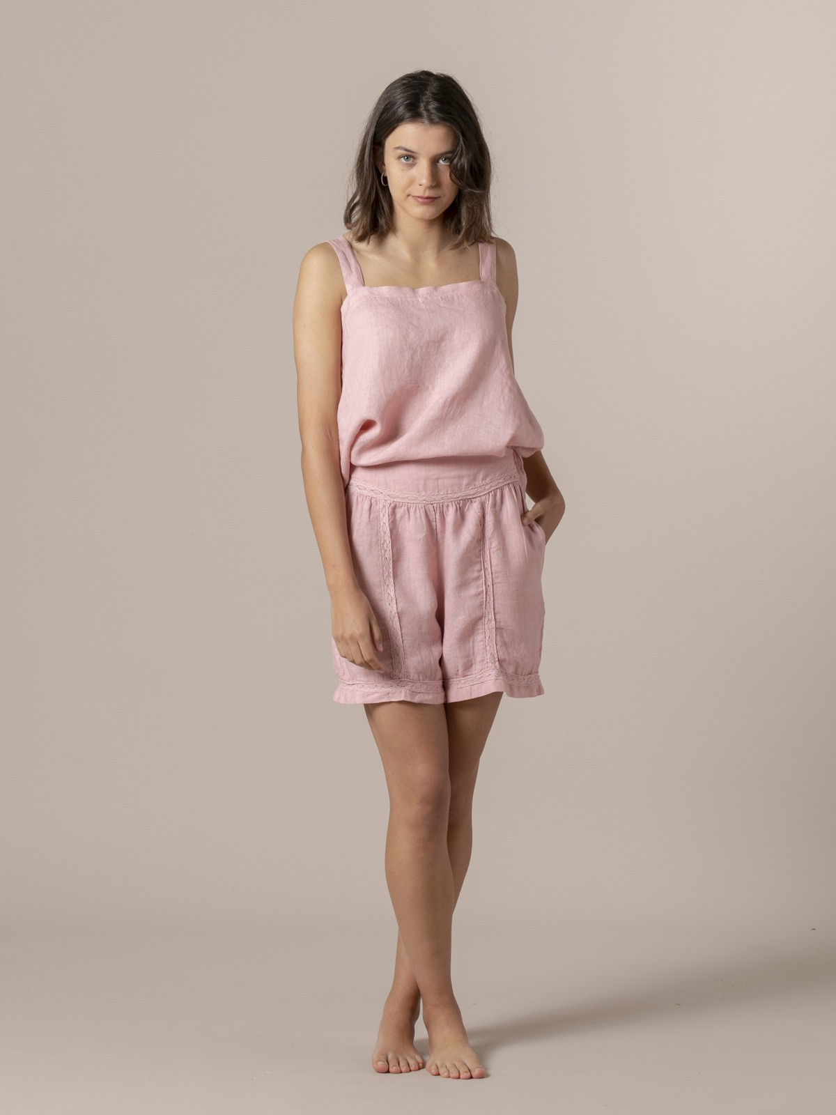 Woman Woman Embroidered linen shorts Pink