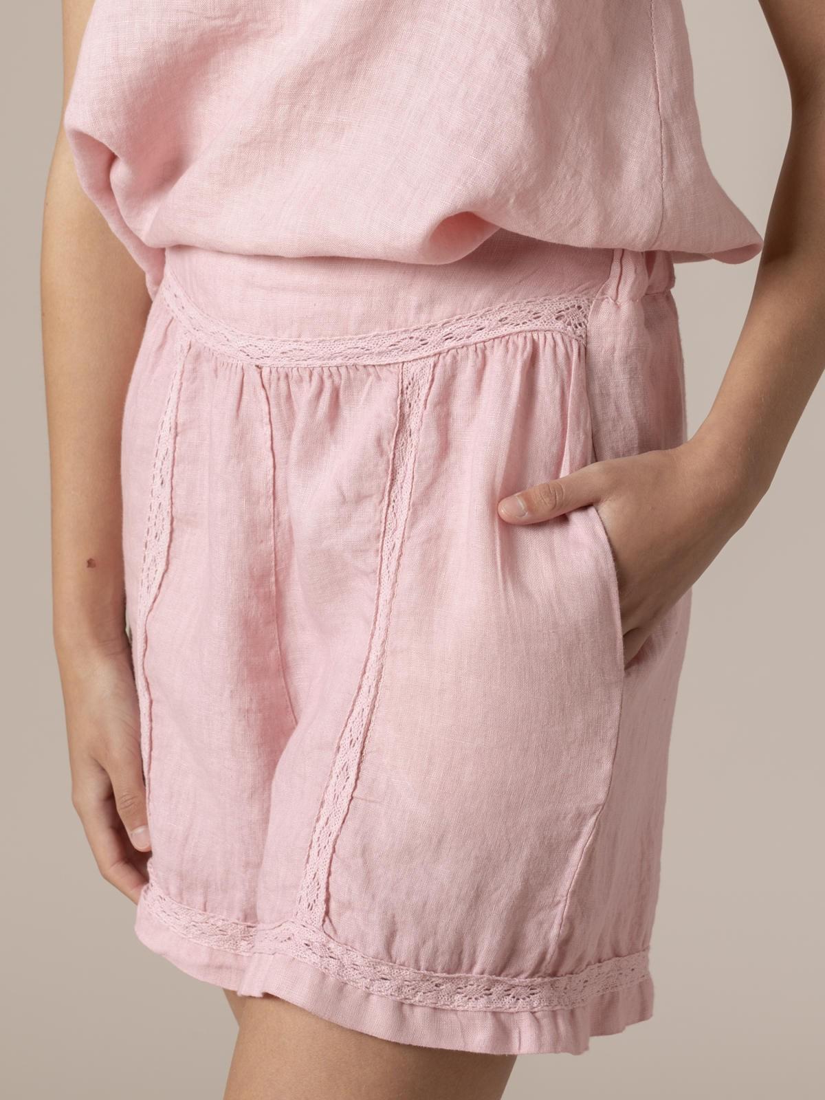 Short mujer de lino bordado Rosa