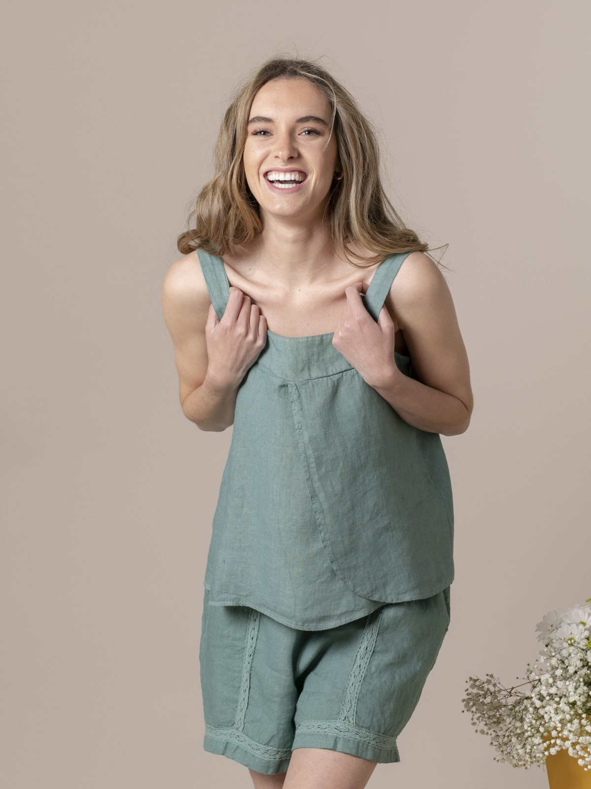 Woman Woman Linen top with back detail Green