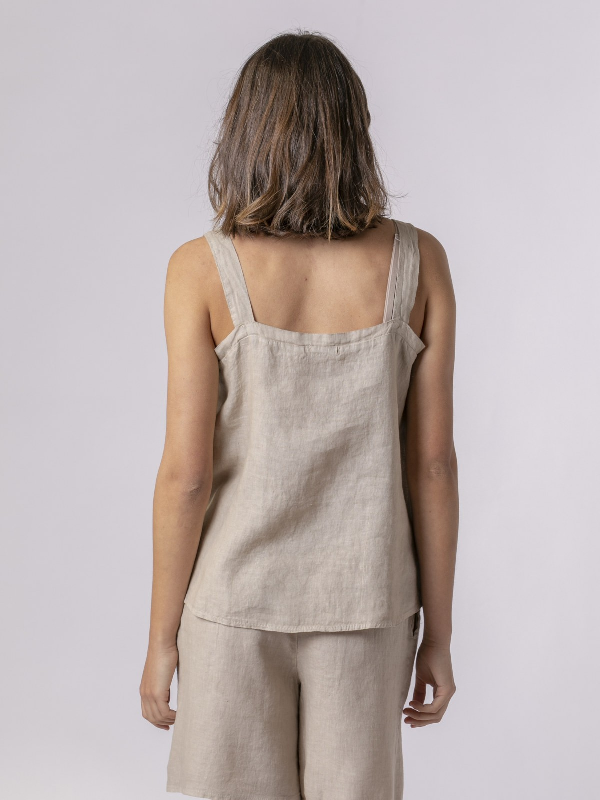 Woman Woman Linen top with back detail Beige