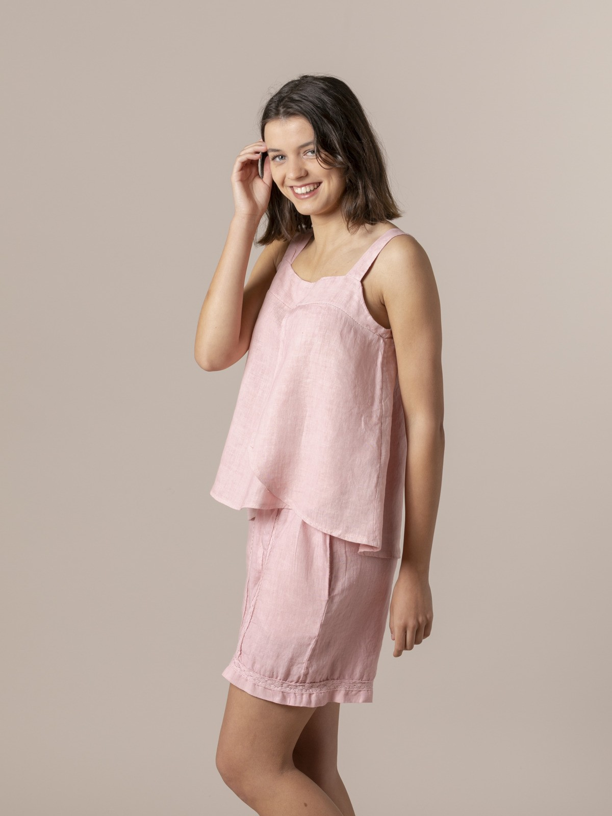 Woman Woman Linen top with back detail Pink