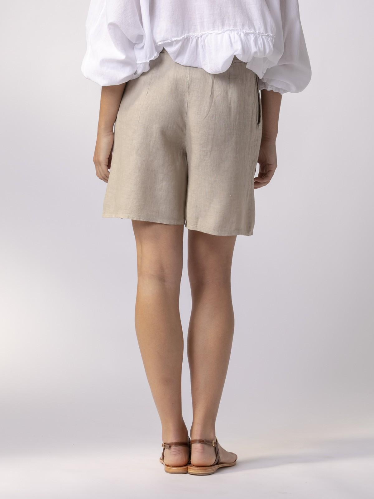 Bermuda mujer clásica de lino Beige