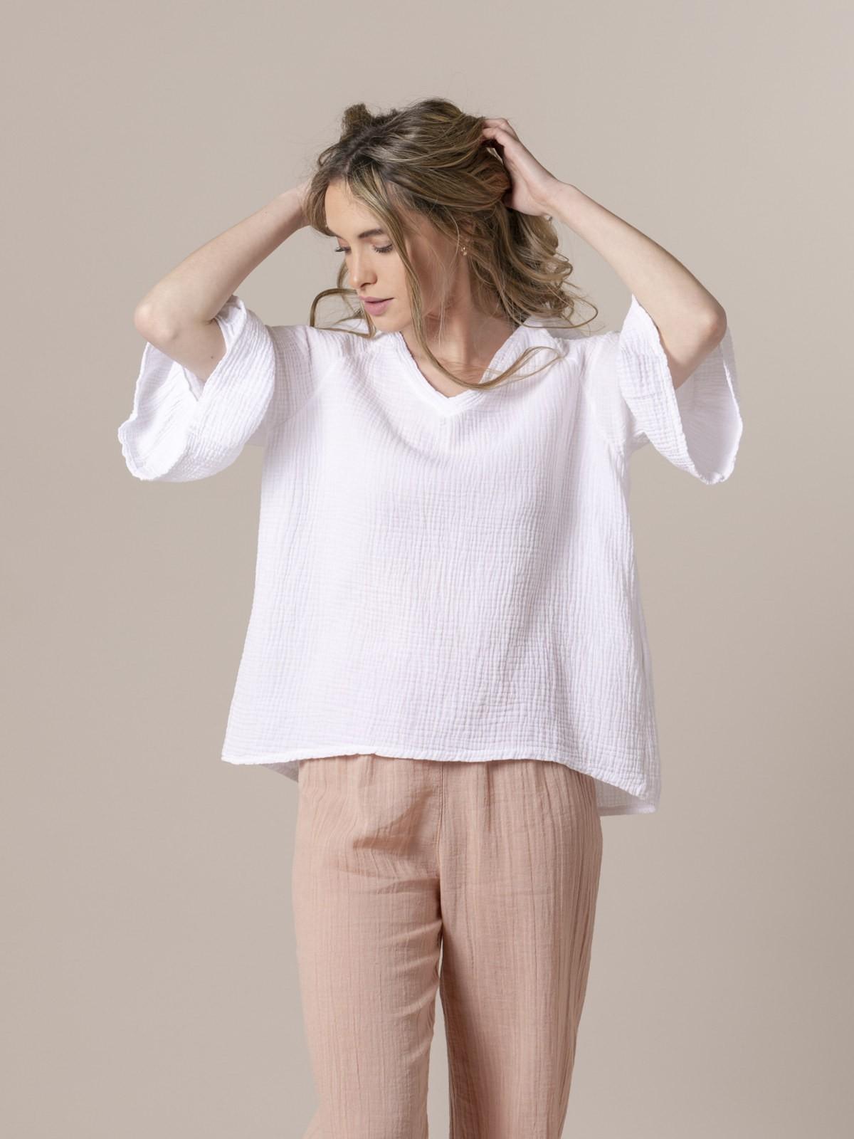 Woman Woman Symmetrical wrinkled shirt White