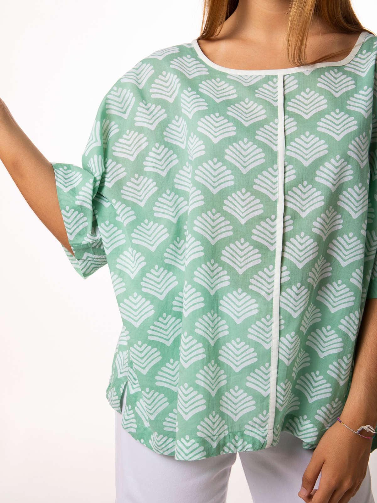 Woman Woman Oversized printed blouse Aqua claro