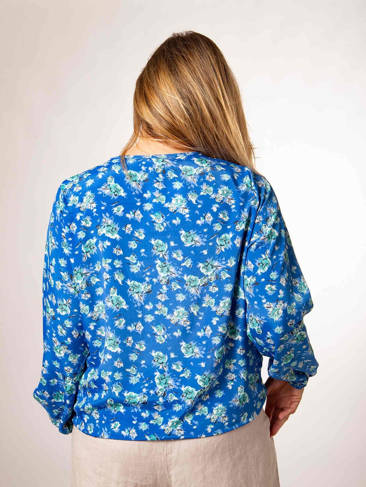 Woman Woman Flowy printed blouse Bluees