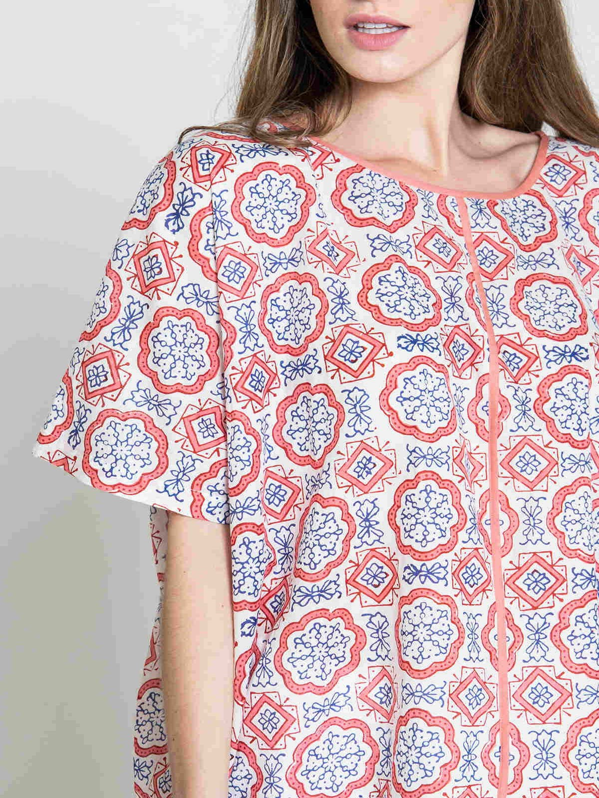 Woman Woman Oversized printed blouse Coral