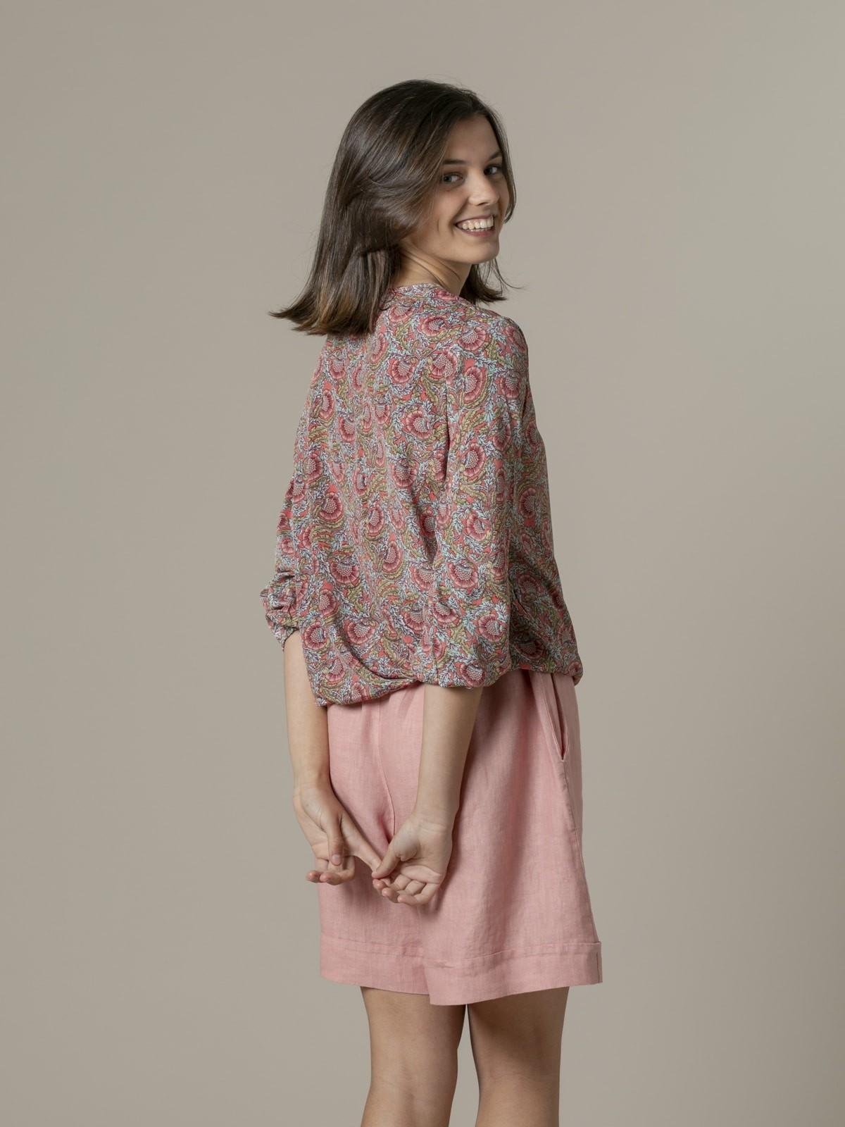 Woman Woman Flowy printed blouse Corales