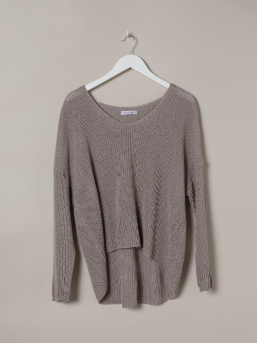Woman Woman V-neck ribbon knit sweater Nude