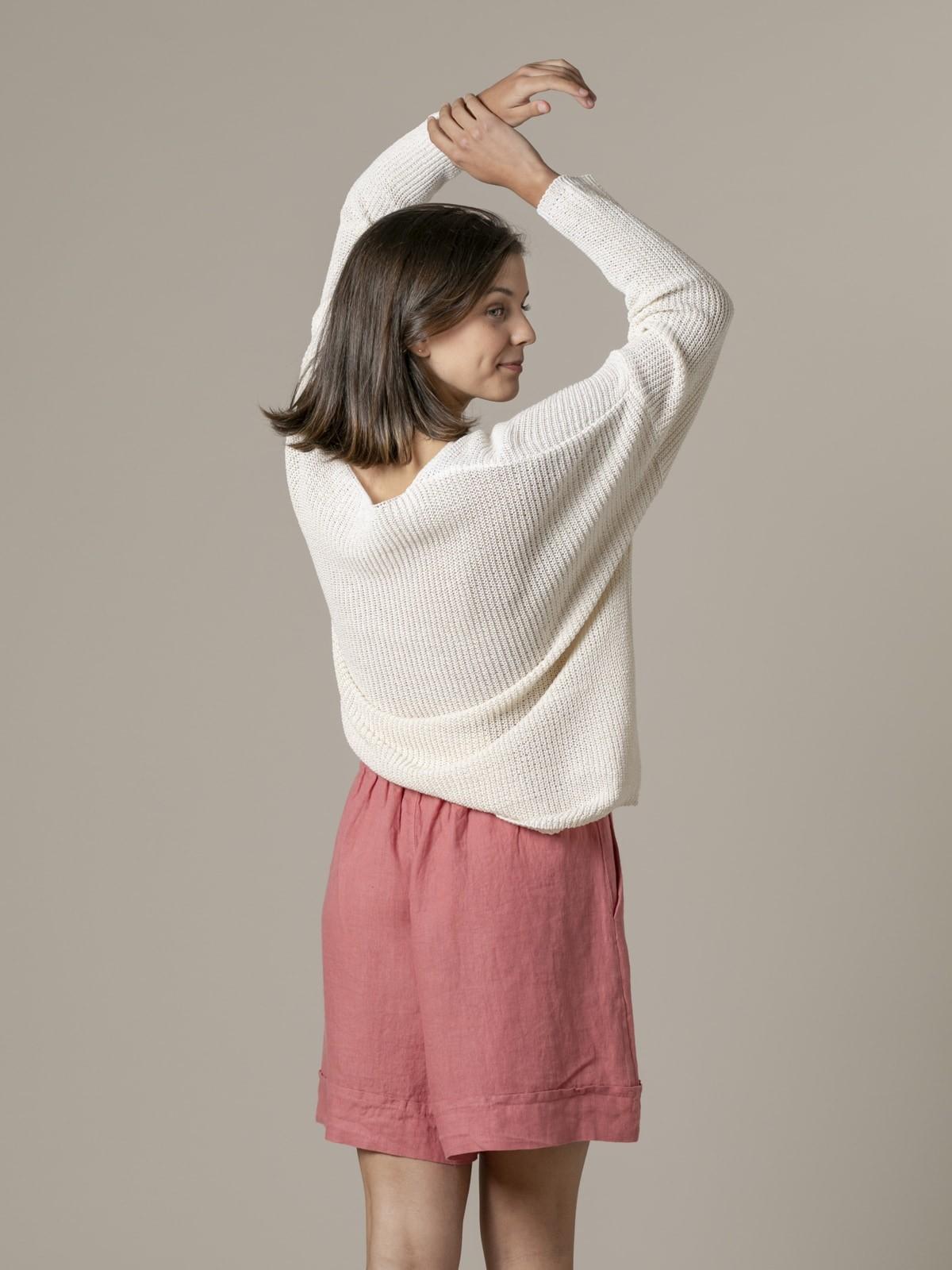 Woman Woman V-neck ribbon knit sweater Crudo