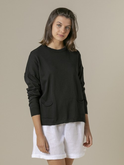 Woman Woman Fine plain sweater with pockets Black