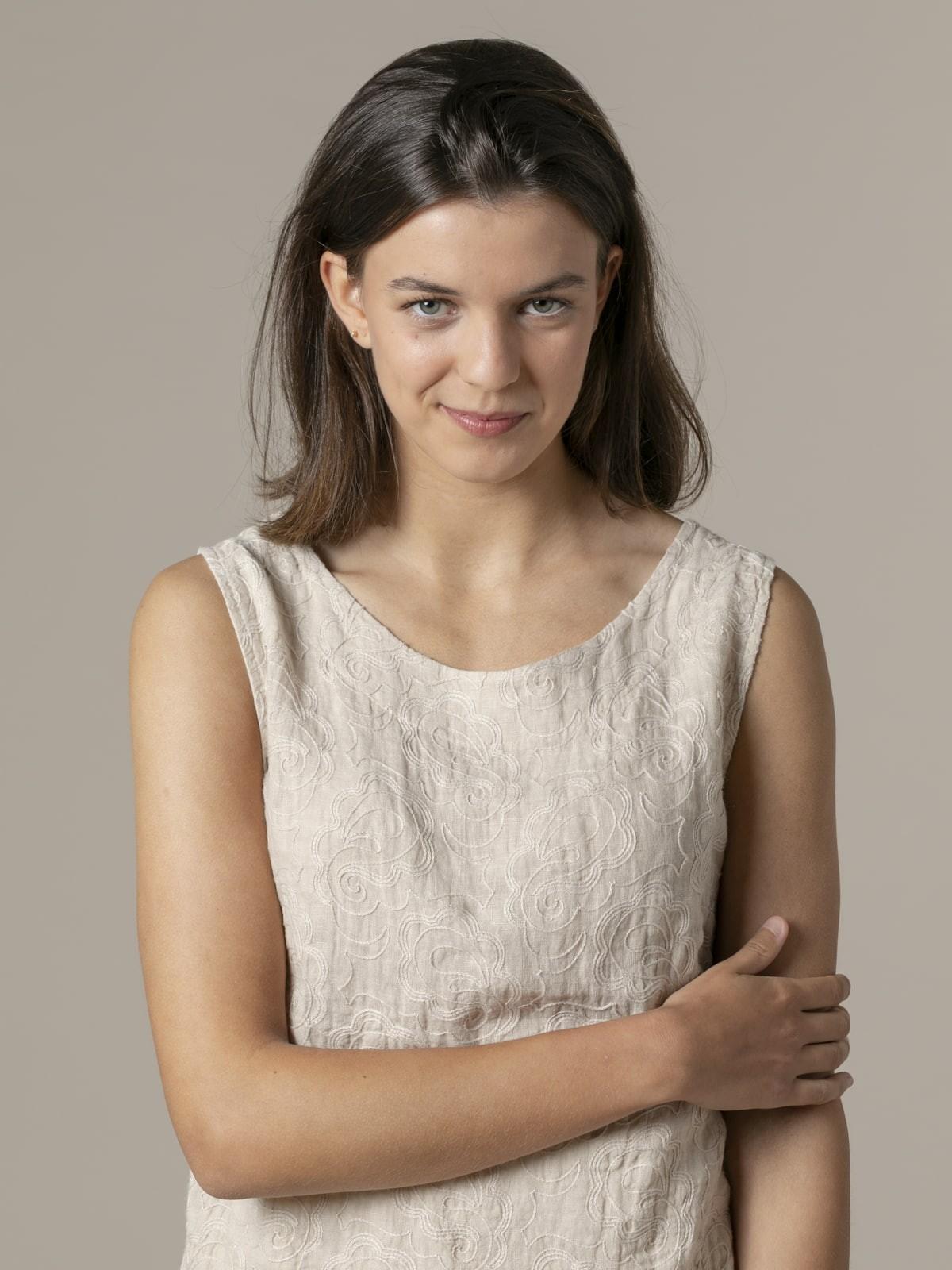 Top mujer de lino bordado Beige