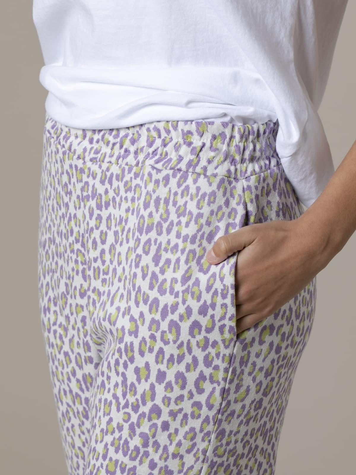 Pantalón mujer sport animal print Lila