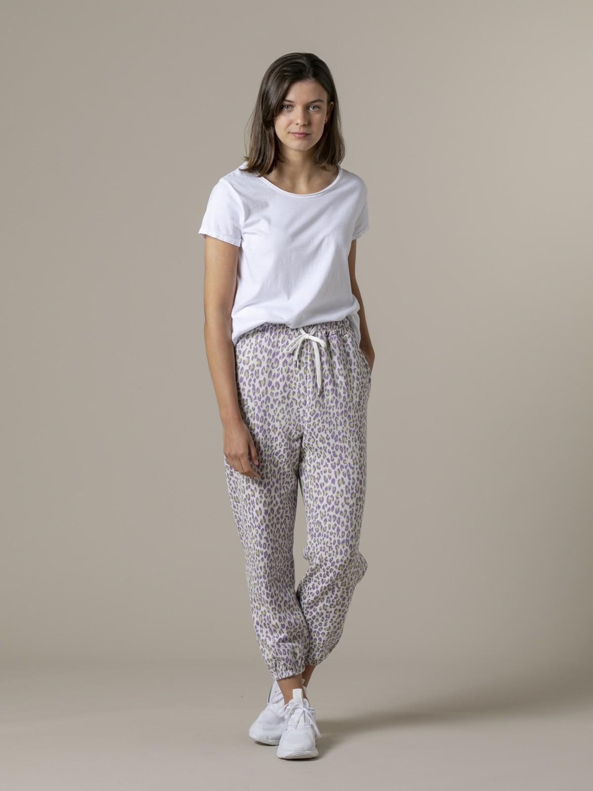 Pantalón sport mujer leopardo Lila