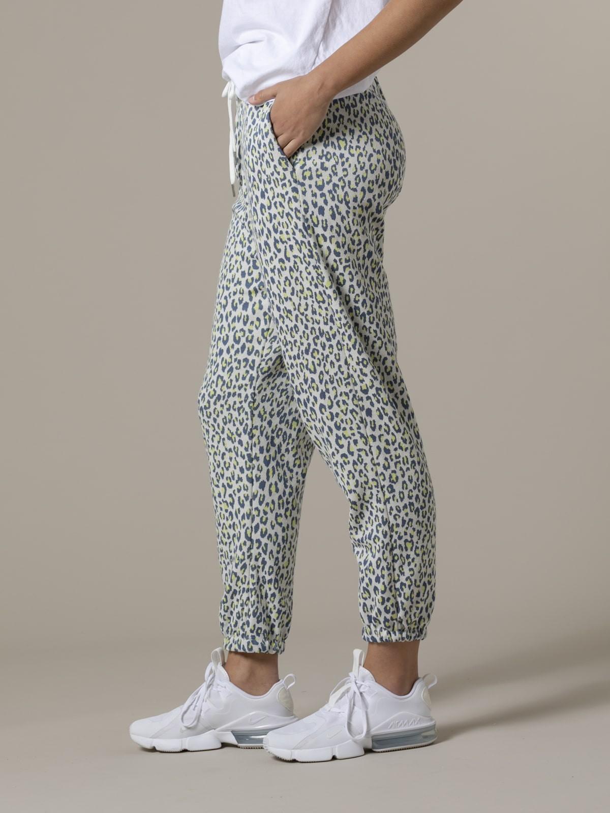Pantalón sport mujer leopardo azul oscuro