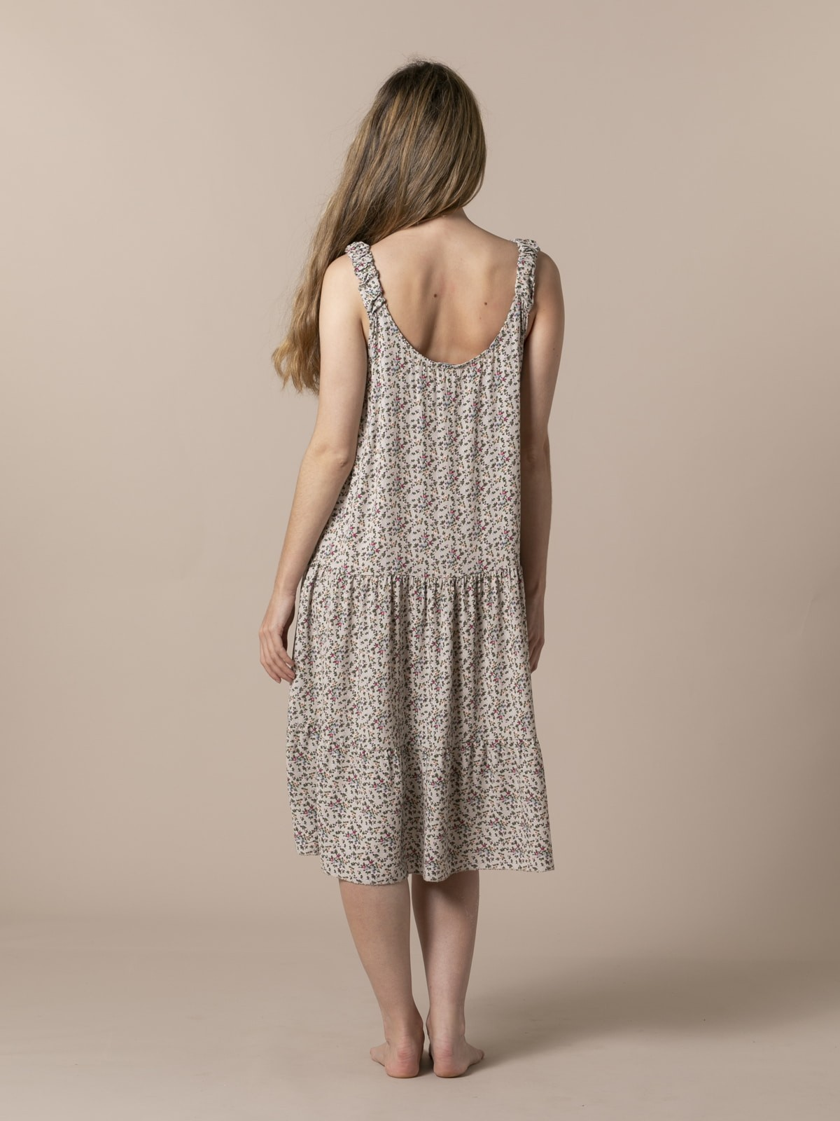 Woman Flowy floral strap midi dress Beige