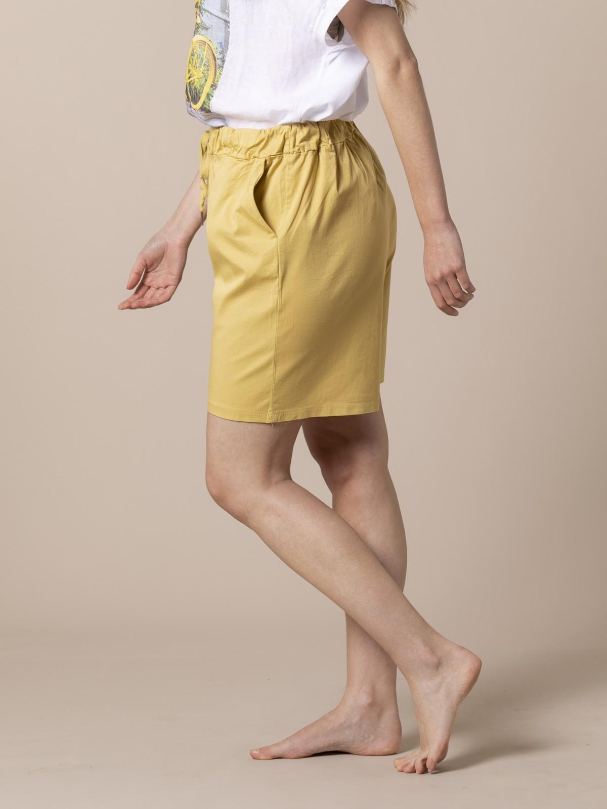 Woman oversized cotton bermuda Amarillo