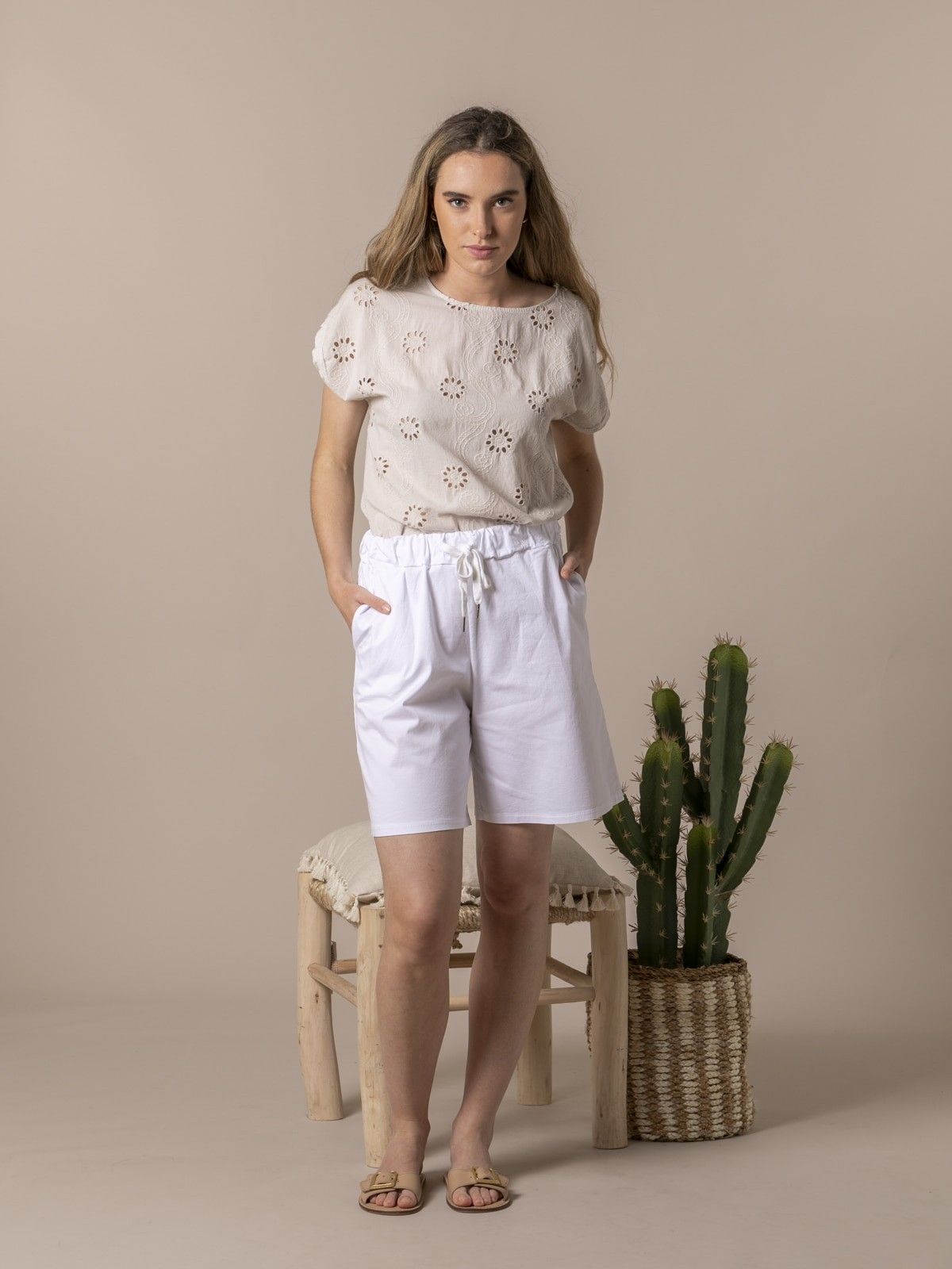Woman Oversized cotton bermuda White