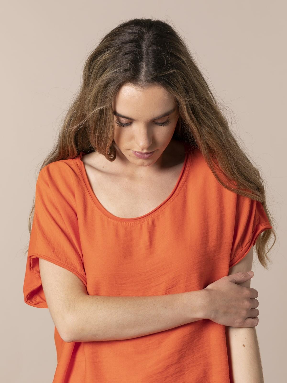 Camiseta mujer arrugada oversize Naranja